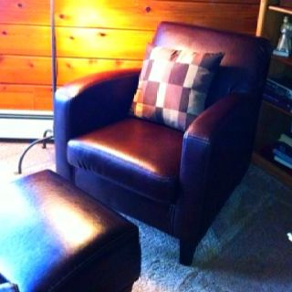 Ikea jappling chair comfy but the leather is far less for Ikea jappling chair