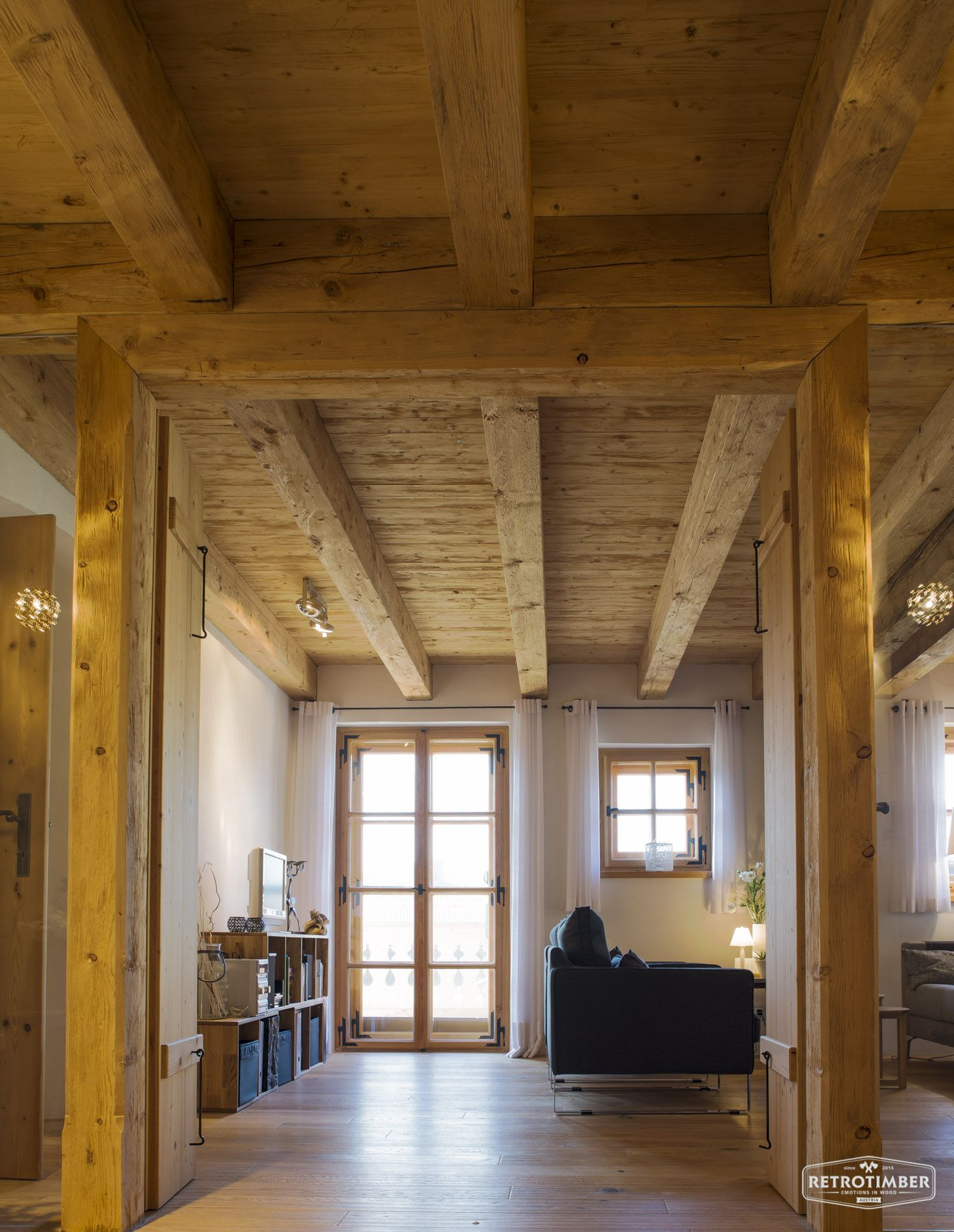 retrotimber altholz balken hausbau bau fichte l rche landhausstil wohnzimmer ideen. Black Bedroom Furniture Sets. Home Design Ideas