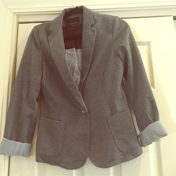 Adorable lined Cynthia Rowley Blazer! Perfect for a professional looking for a stylish blazer. Love the lined inside, size small, nice roomy front pockets, a nice light gray. Would look great with black slacks or jeans! Cynthia Rowley Jackets & Coats Blazers