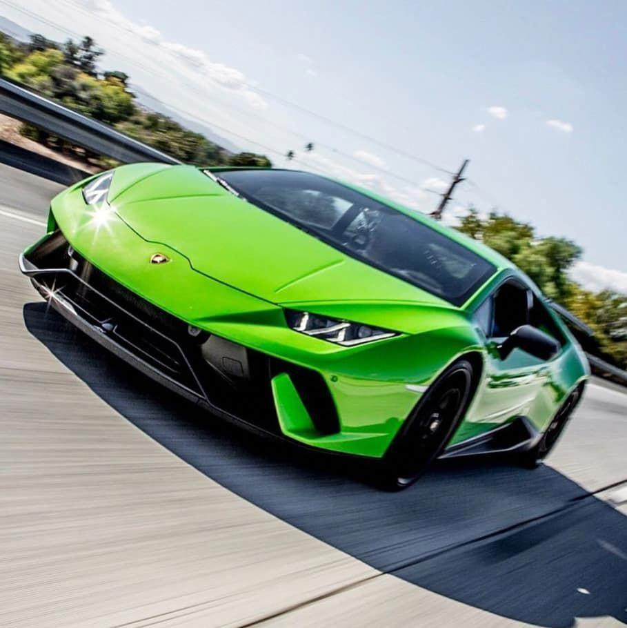 Amazing Grey Lamborghini Huracán!!! Is this your ultimate dreamcar? #lamborghini #huracan #lamborghinihuracan #huracán #lamborghinihuracán… #FerrariPink #lamborghinihuracan