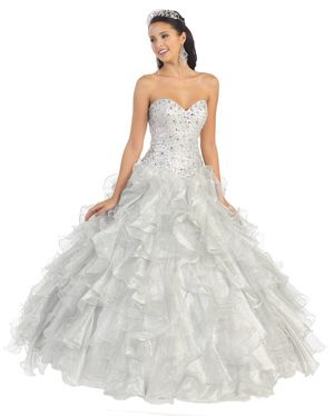 This quinceanera dress is high couture with a very distinct quinceanera style meant to make you look and feel like a princess. Quinceanera Dress #beautiful #joyfuleventsstore #quinceaneradresses #quinceaneras #quincedresses #quinceaneradresses