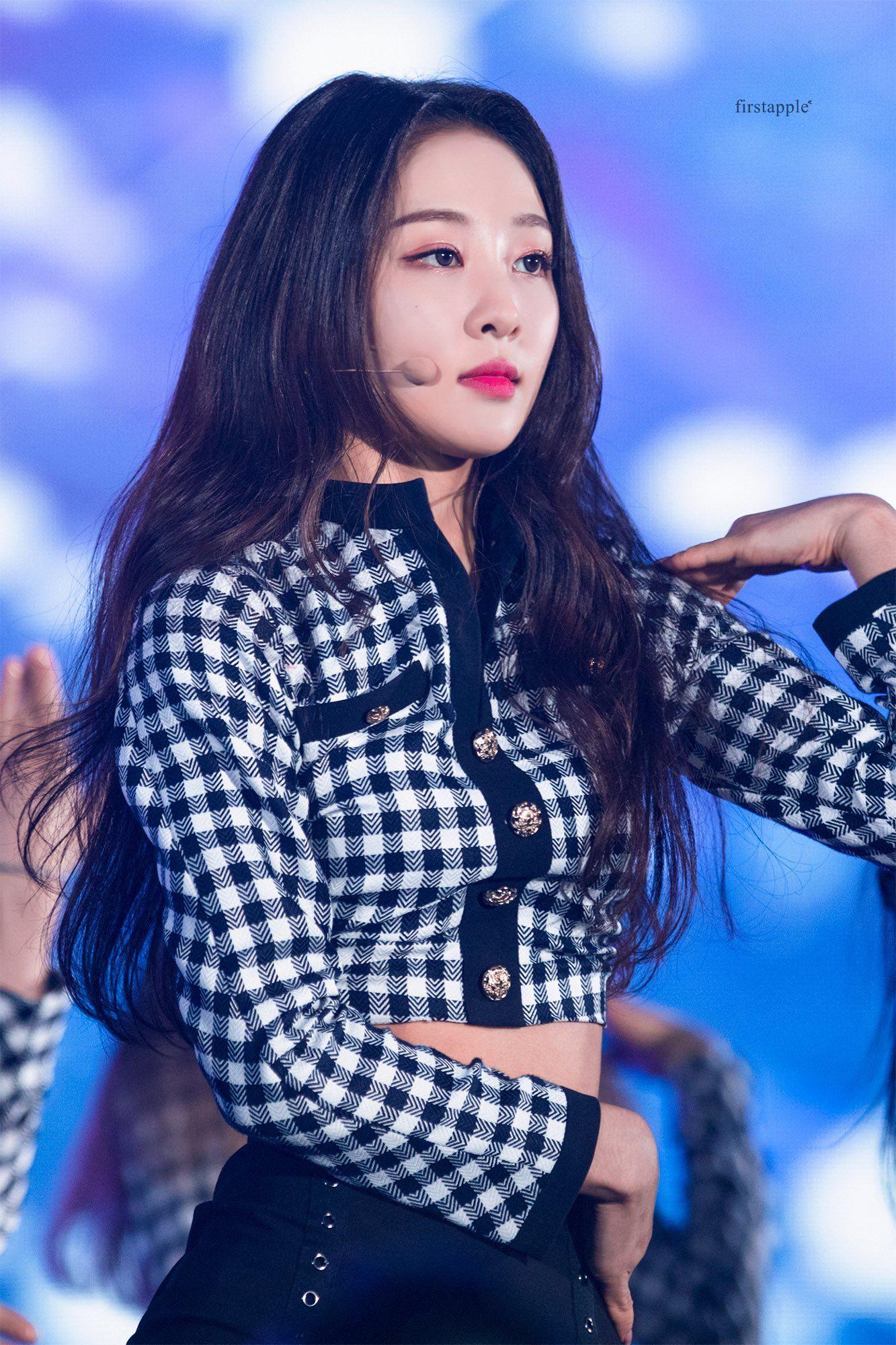 ғɪʀsᴛᴀᴘᴘʟᴇ On Twitter Kpop Girls Cool Girl Girl