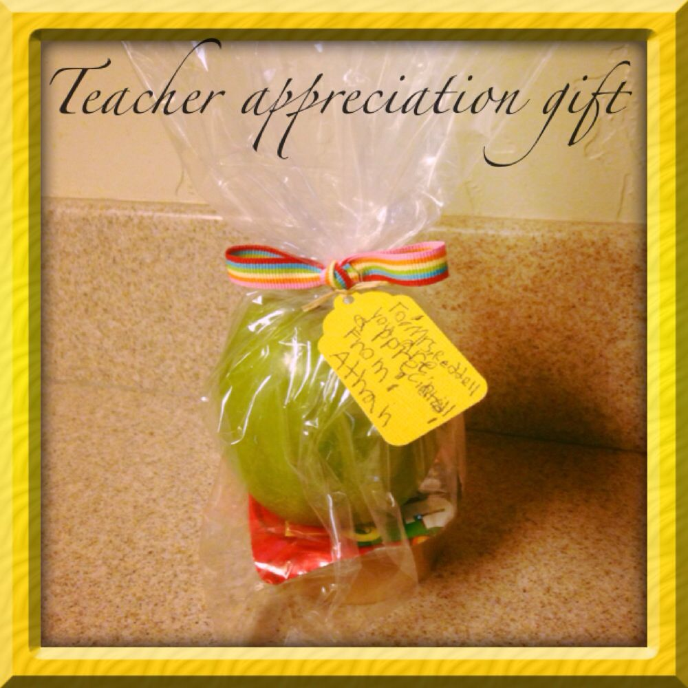 Teacher appreciation gift: An apple and a prepackaged dip are made even sweeter with a handwritten note from the student.  A Jif-To-Go tub is pictured here, but a caramel dipping tub would be even better!