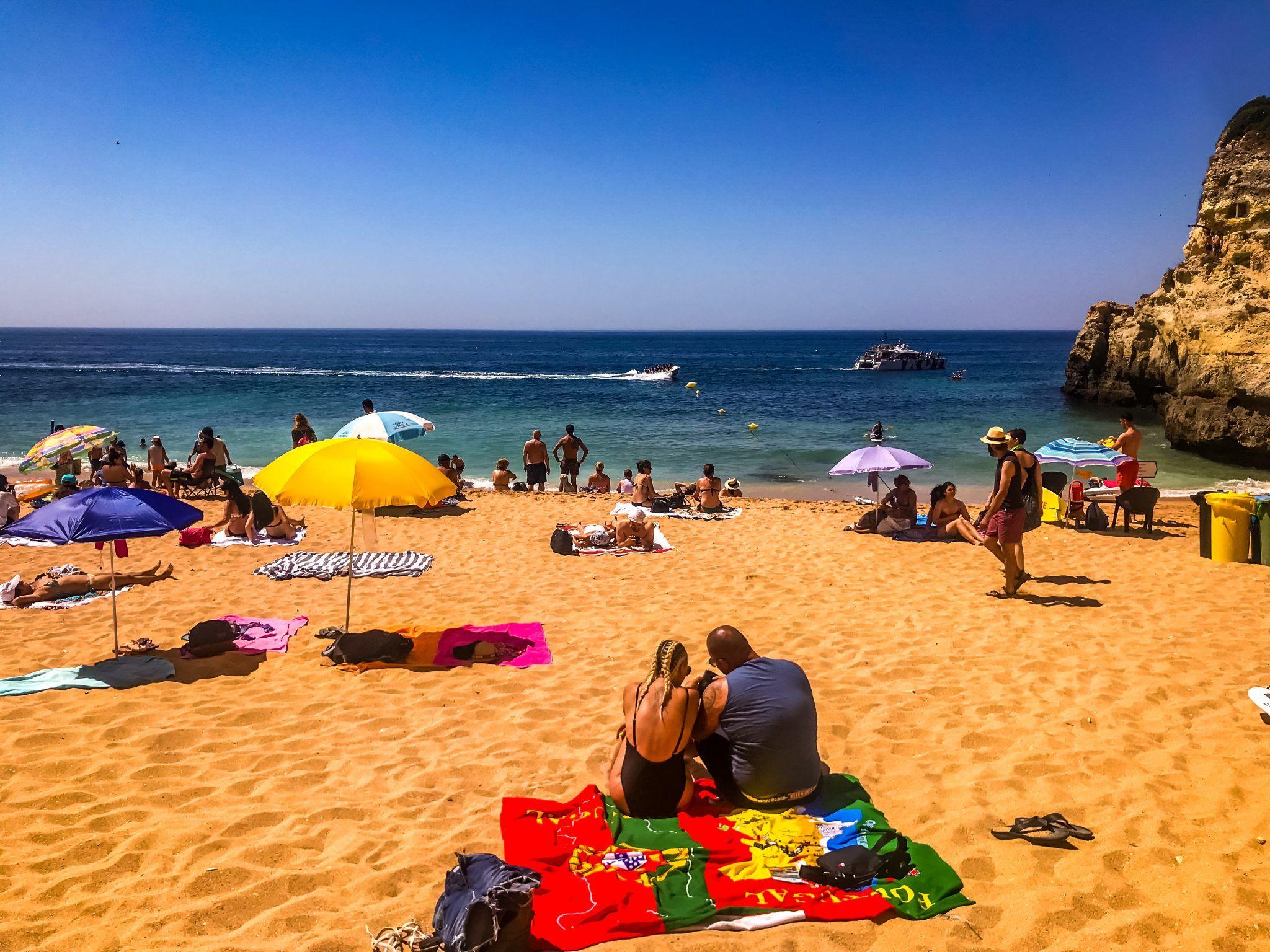 Praia De Benagil Bootstour Zu Den Bekanntesten Hohlen Europas Europa Portugal Boote