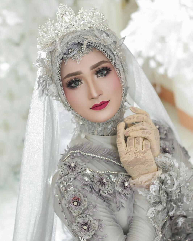 By Helena Wedding Owner Di Instagram Before After Makeup Single Mbak Laraskurnia 18 Makeup By Helena Pengantin Wanita Gaya Pengantin Pose Pengantin