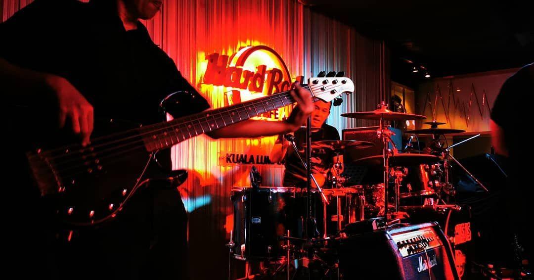 Backbone Of The N9ers N9ine N9 Band Malaysia Malaysianband Musician Malaysianmusician Washburn Guitarist Voca Concert Hard Rock Cafe Dw Drums