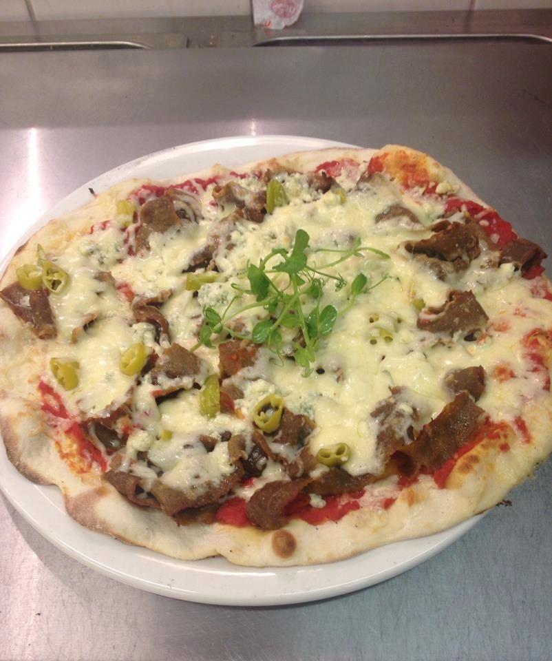Á la carte- listaltamme voit valita täytteet pizzaasi itse suuresta valikoimasta!