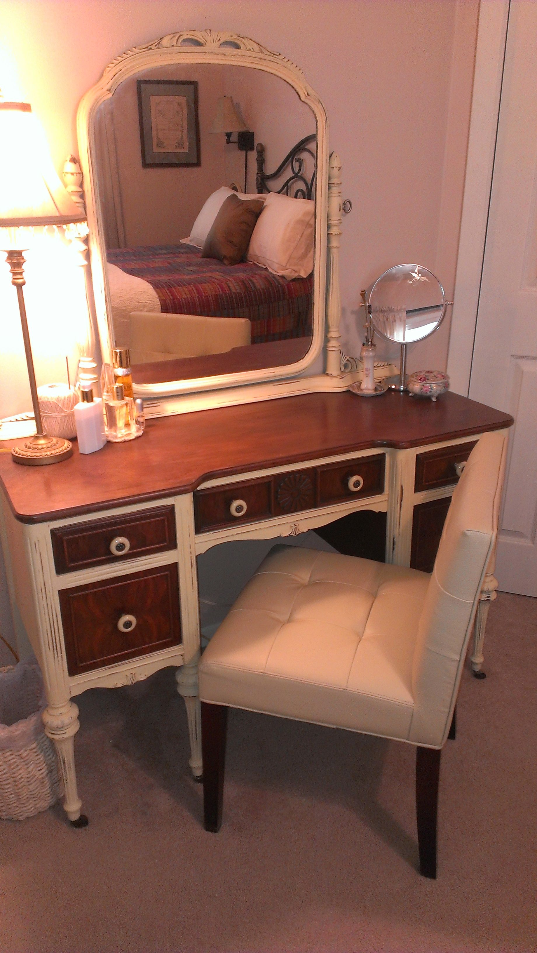 My mothers vintage vanity redo after paint because i can furniture ideas geotapseo Choice Image