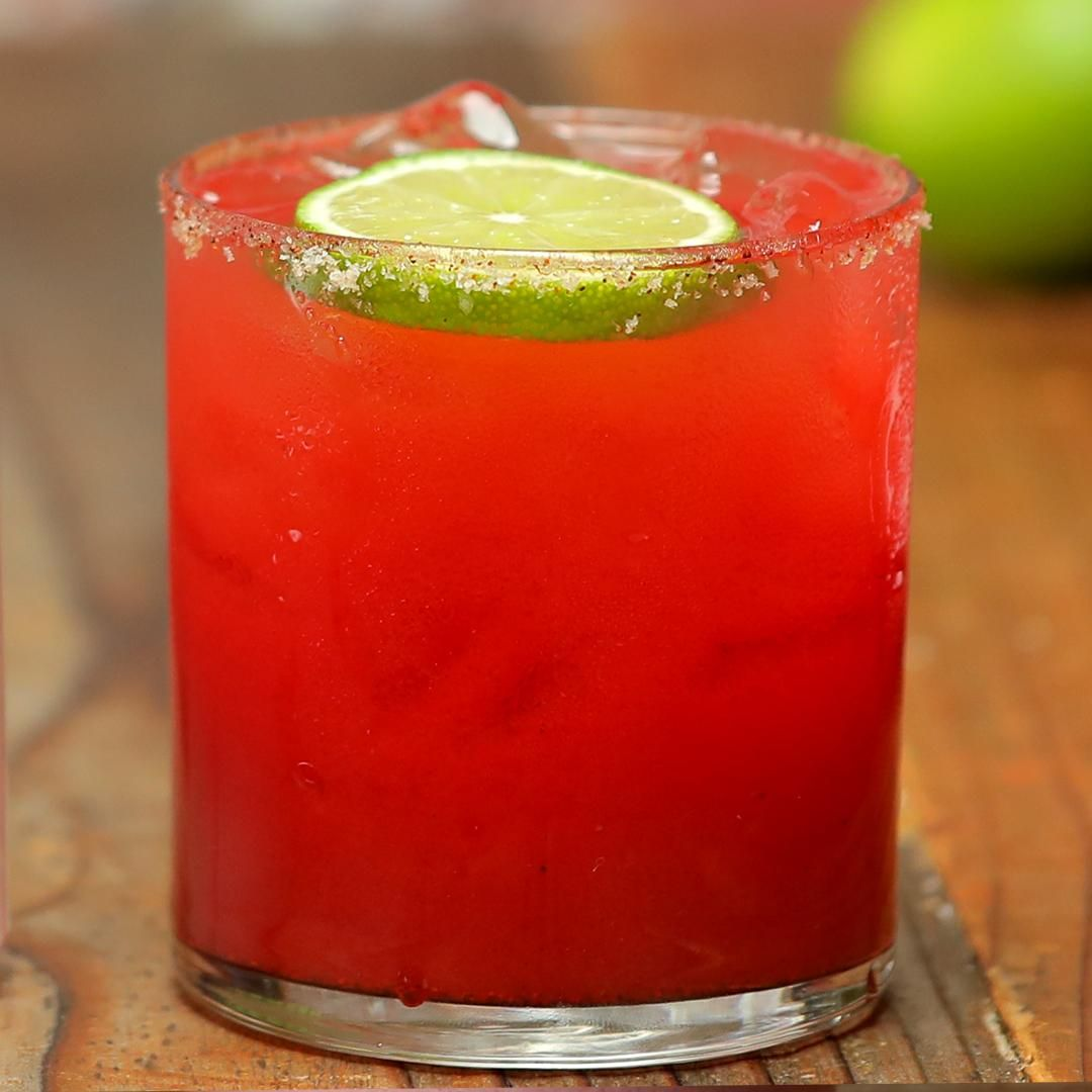 Spicy Watermelon Cocktail Video In 2020 Watermelon Cocktail Alcohol Drink Recipes Watermelon Drink