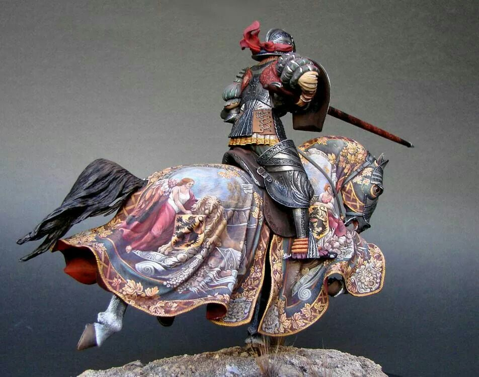 Check out the freehand on this knight's horse barding.