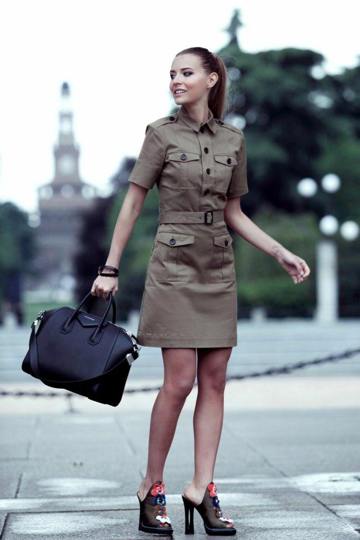 Belle robe saharienne kaki la robe safari femme tendance chaussures en  talon geant sac à main cuir noir 23079234b401