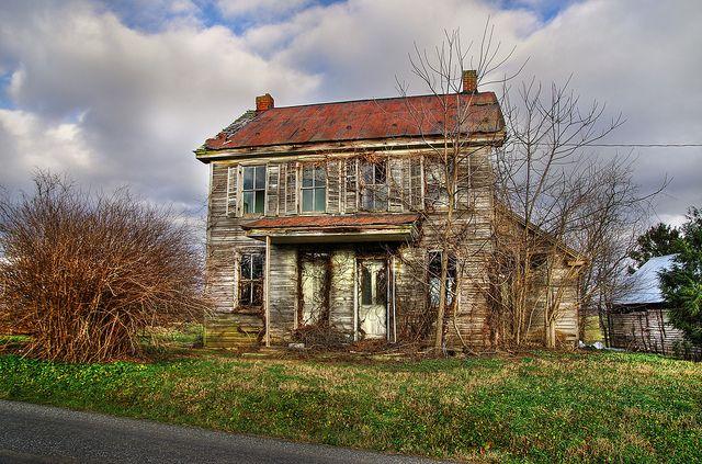 Abandoned farm house near Lititz, PA  | Abandoned