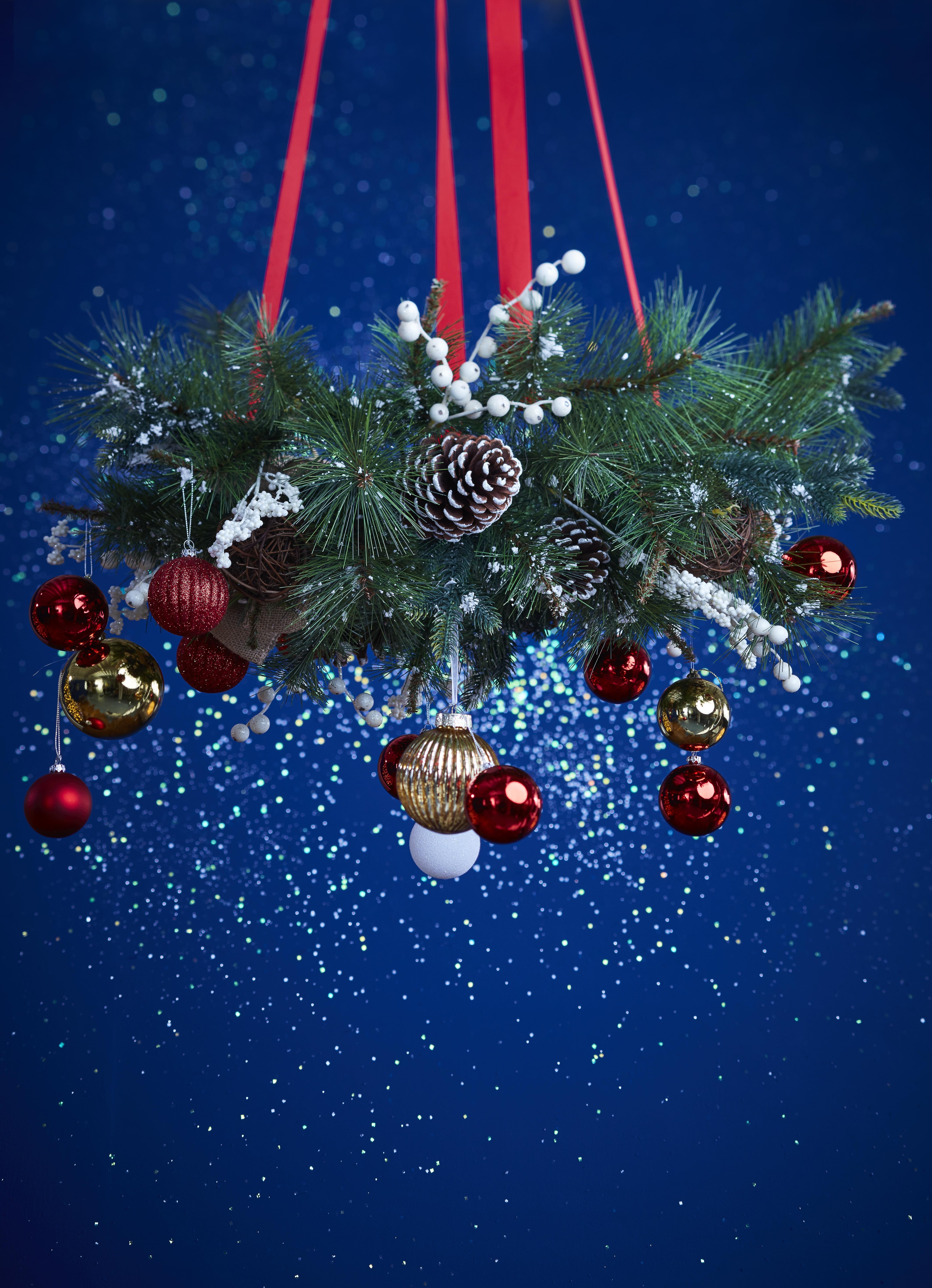 Christmas - Christmas Trees, Lights & Baubles - Diy At