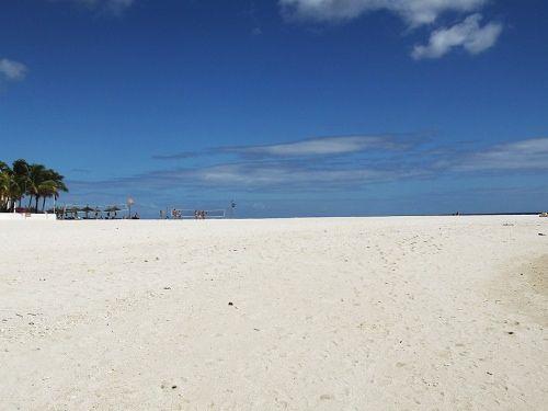 Beautiful white sandy beach in Flic en Flac  | Discover Beaches of