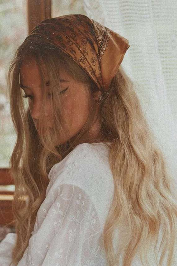 Fabulous Ways To Wear A Scarf & Hair Pin In Your Hair 2020