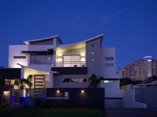 BLUE WATERS RETREAT, It's time to share our secret.  Shhhhh.Vacation Rental in Broadbeach from @homeaway! #vacation #rental #travel #homeaway