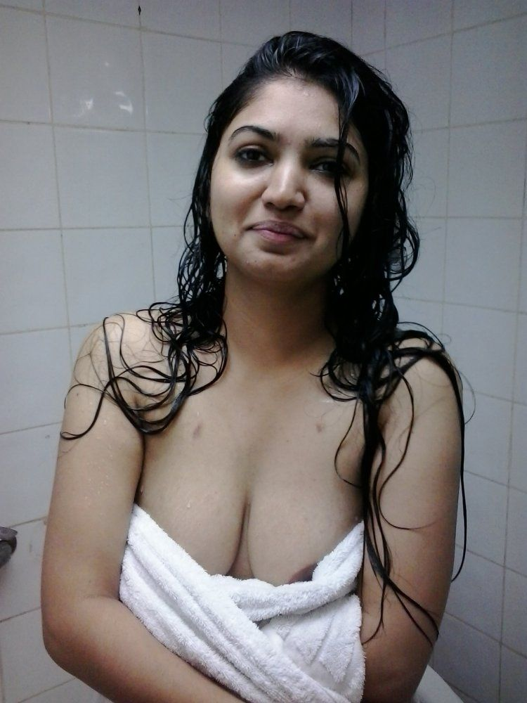 Nude indian boob clevage pic