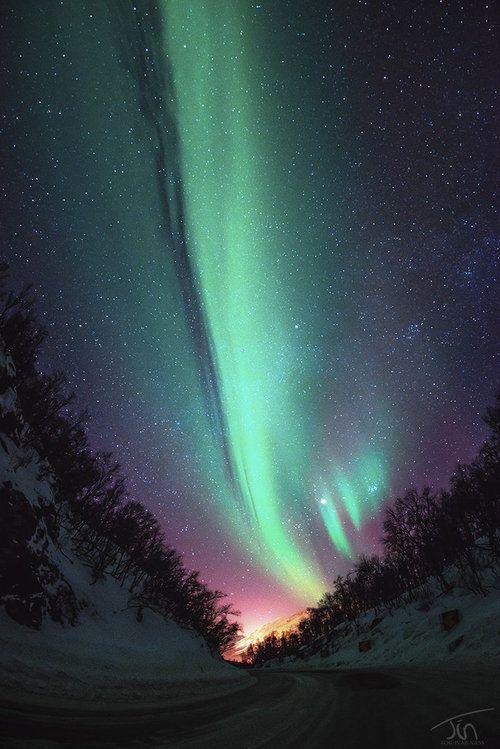 Beautiful Nighttime Photo By Tor Ivar Cielo Nocturno Hermosa Naturaleza Auroras Boreales