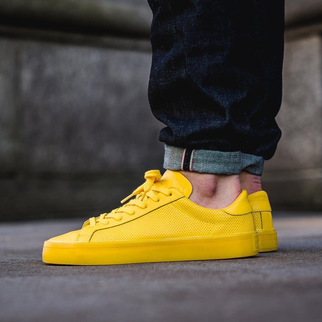 adidas Originals Court Vantage Adicolor: Yellow