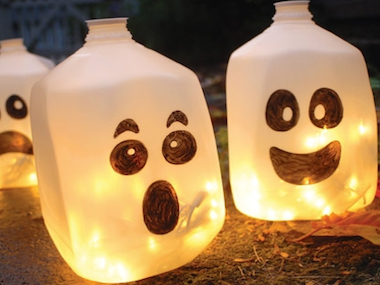 cheap halloween decorations 12 easy homemade ideas - Halloween Decorations On Sale