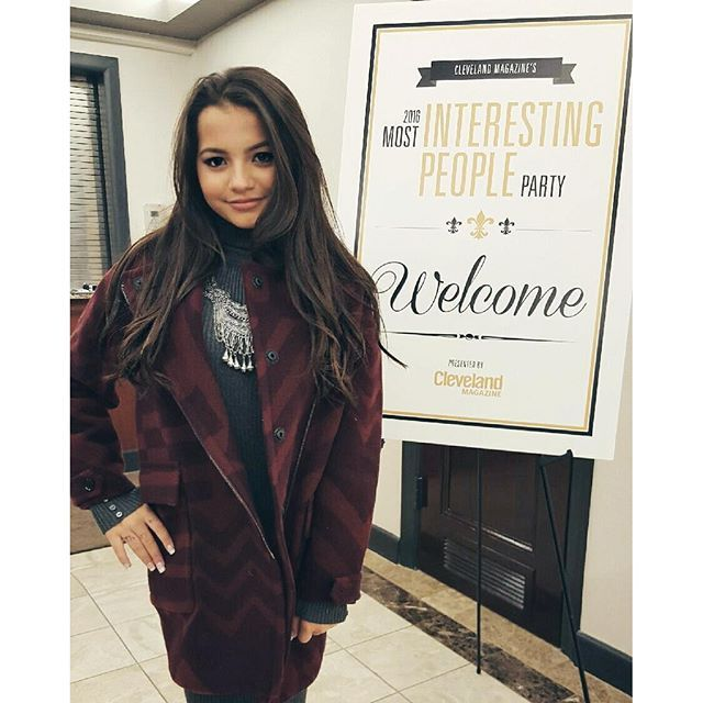 meet isabela singles Meet isabella barrett, the 9-year-old 'toddlers and tiaras' star who is now  she  has even produced two singles, with two more in the studio.