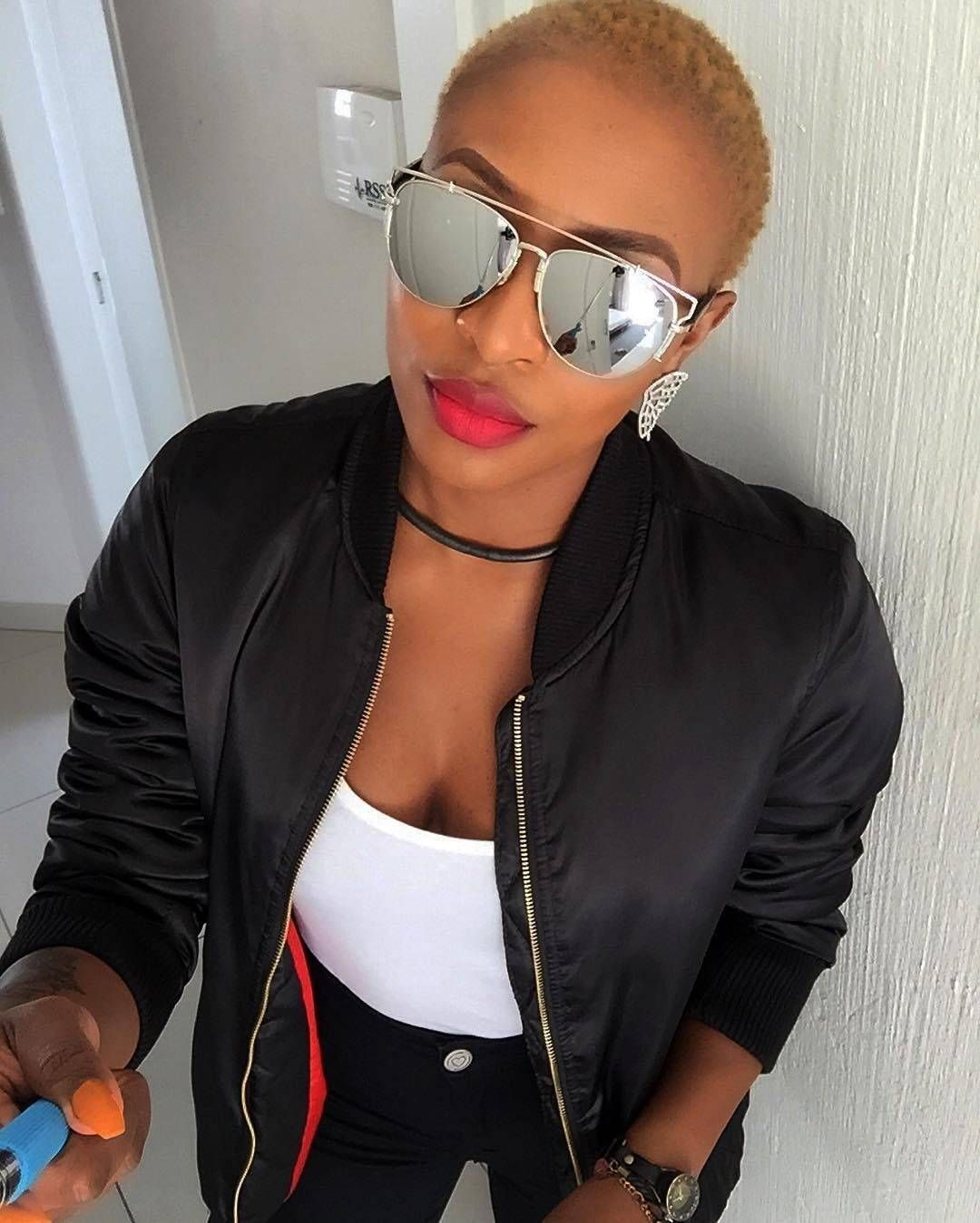 Best Dj Zinhle Short Hairstyle  Short hair styles, Mirrored