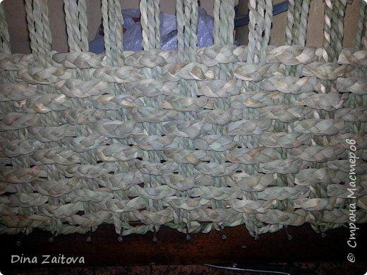 Мастер-класс Плетение Небольшой мк по плетению циновки из рогозы но и трубочки из газет не забыты Материал природный фото 3