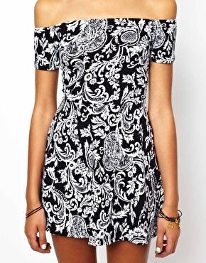 Image 3 ofMotel Catalina Skater Dress In Paisley Print