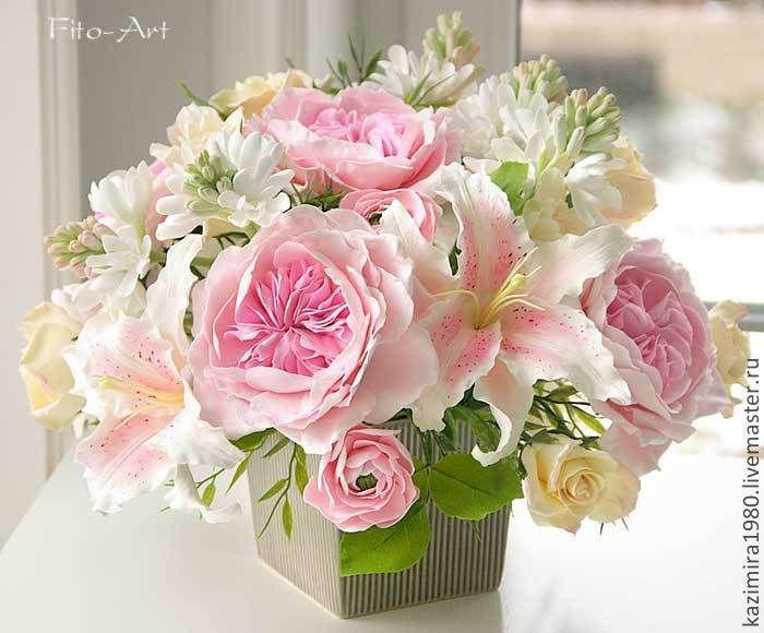 Бледно розовые розы купить подарок из конфет на юбилей фото