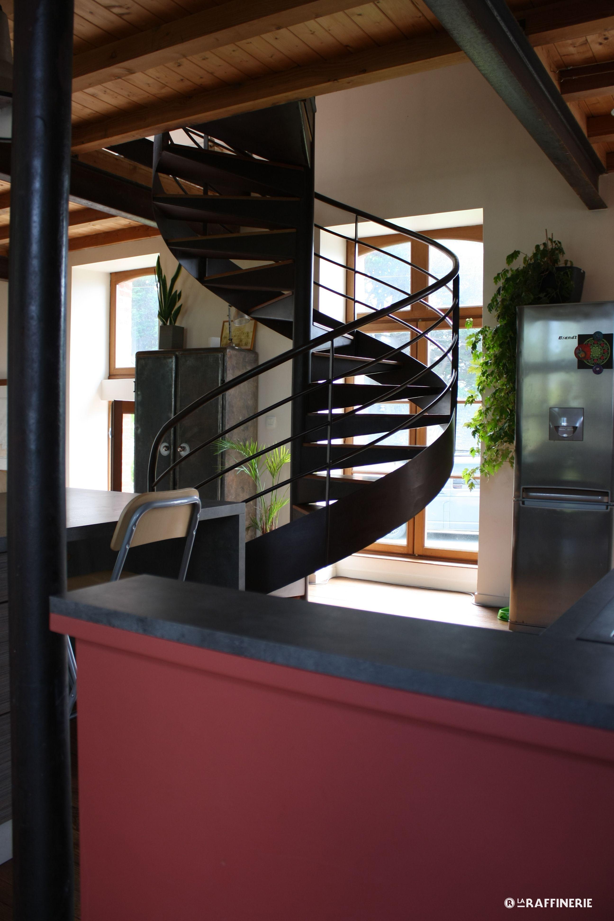 Aménagement d\'interieur - Cuisine loft style industriel - Escalier ...
