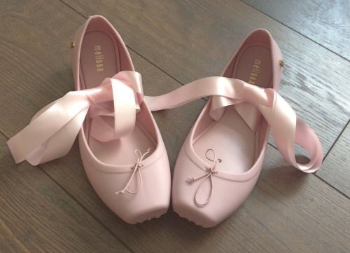 cryingdaughter:  i got my baby pink melissa shoes today ♡