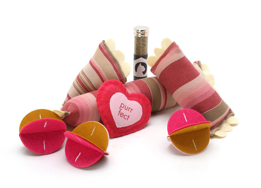 Valentine Cat Toy Gift Set - Limited Edition. $20.00, via Etsy.