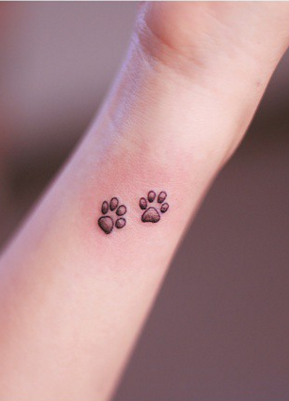 14 cute tiny wrist tattoos you 39 ll want to get immediately. Black Bedroom Furniture Sets. Home Design Ideas