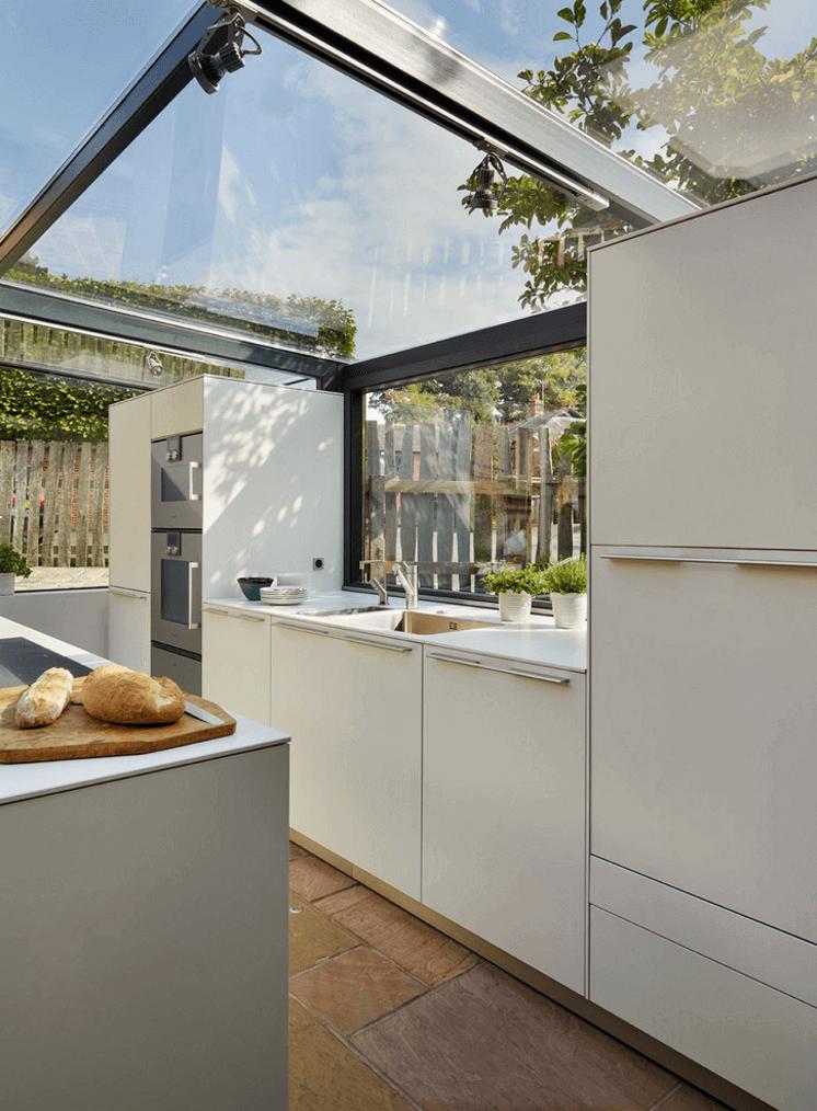 Kouzelny Starobyly Domek Ziskal Moderni Sklenenou Pristavbu Renovace Kuchyne Navrhy Kuchyni Navrhy Domu