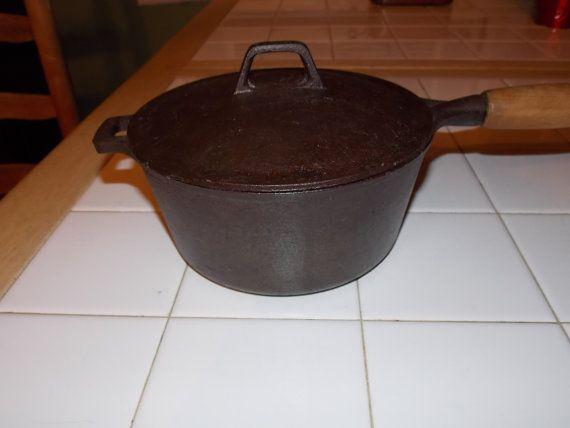 2 Quart Vintage Cast Iron Sauce Pan 1 9 Liter Cast Iron Pot By Eightboardsfarm Cast Iron Vintage Pot Rack