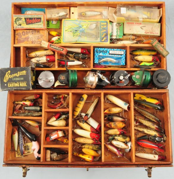 Antique tackle box full of wooden fishing lureslooks just for Vintage fishing tackle