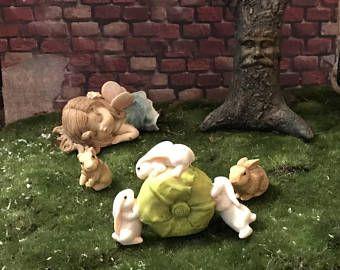 Süße Hasen Rollen Kohl Miniatur Kaninchen Mit Kohl Miniatur Fee