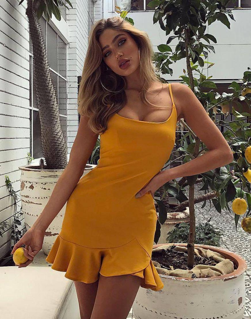 5b639a22186 Pin by Emma Dotsikas on My Kind of Style | Moda, Moda feminina, Roupas