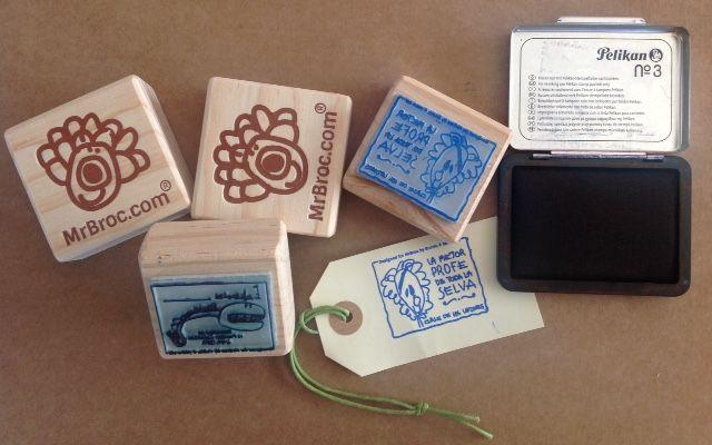 Los Broc Sellos hechos con los dibujos de tus niños son ideales para personalizar sus libros en la vuelta al cole. http://mrbroc.com/es/sellos-personalizados/113-sellos-personalizados-extreme.html