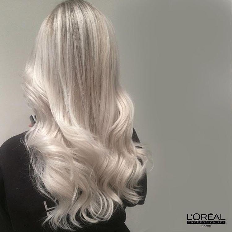 إسألي مصفف شعرك في صالون لوريال بروفسيونال عن Inoa Blond Resist هل ستختارين اللون الأشقر الثلجي Ask Y Silver Blonde Hair Ice Blonde Hair Drugstore Hair Dye