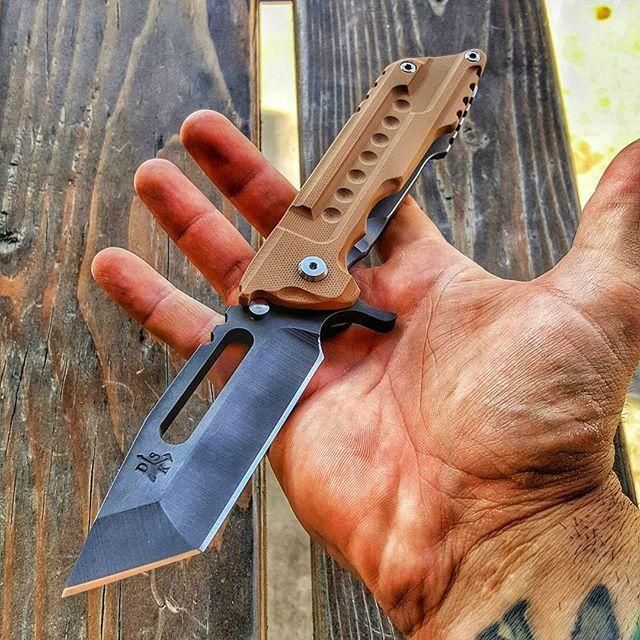 #dskstyle #dsk #dsktactical #tacticalknife #handmade #grailknives #grail #gettinshitdone #azmob #customknife #kickstand #gen2