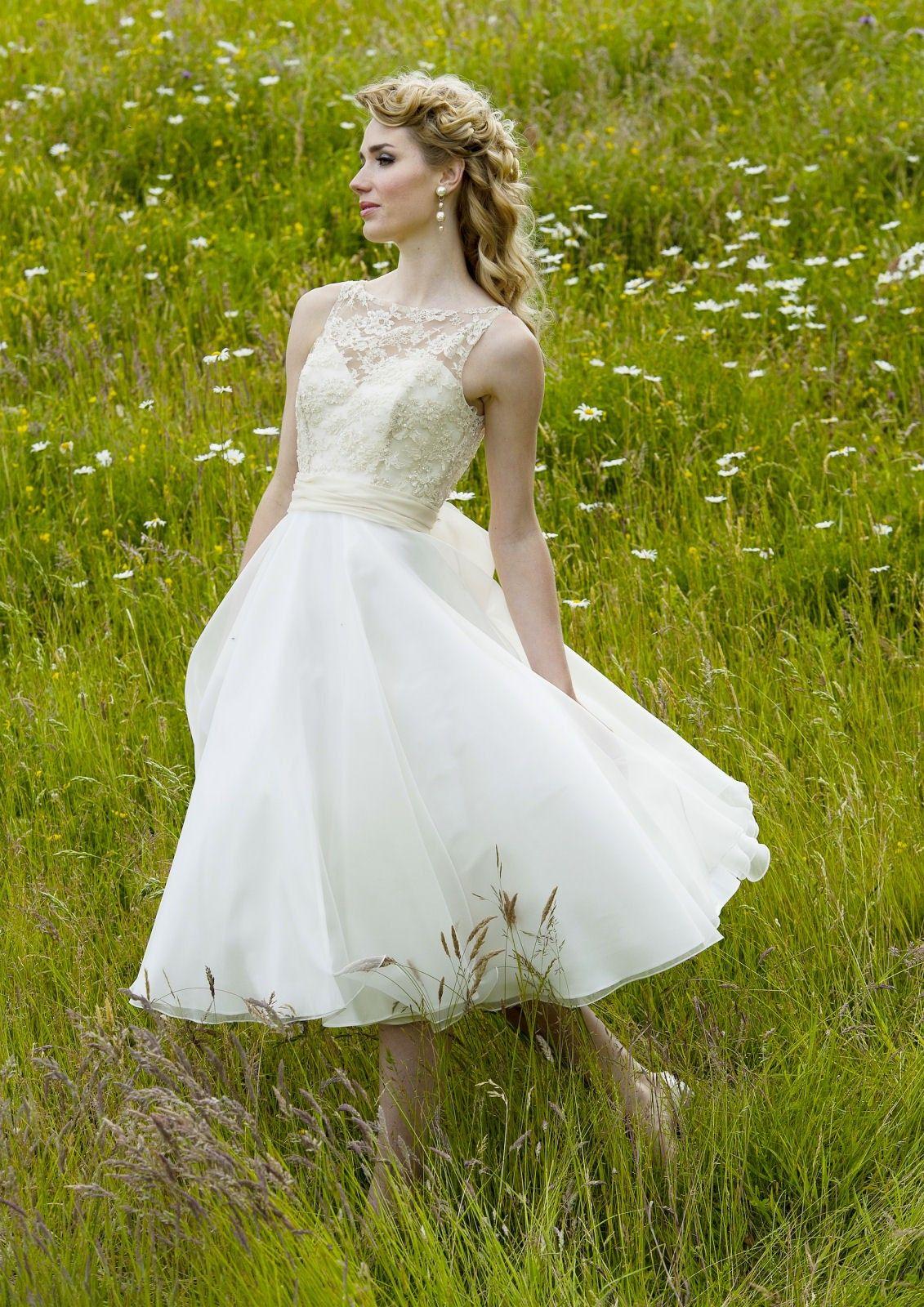 Vintage wedding tea dress  Vintage Ivory Tealength Organza Lace Wedding Party Dress