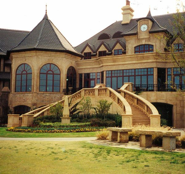 Best Cast Stone Entry To A Hotel With Dual Spiral Staircases 640 x 480