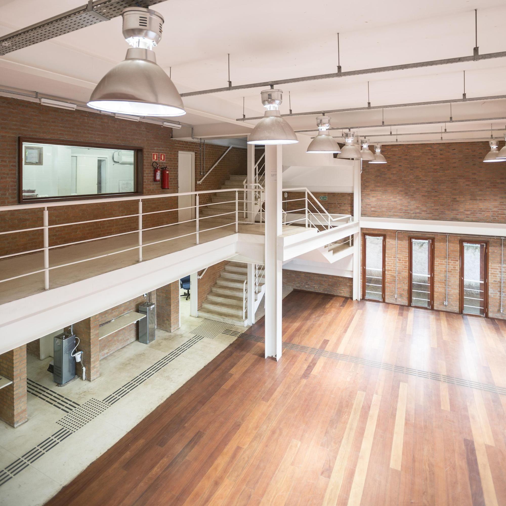 Galería de Almacén Cultural de la Escuela de Arte y Cultura Plínio ...