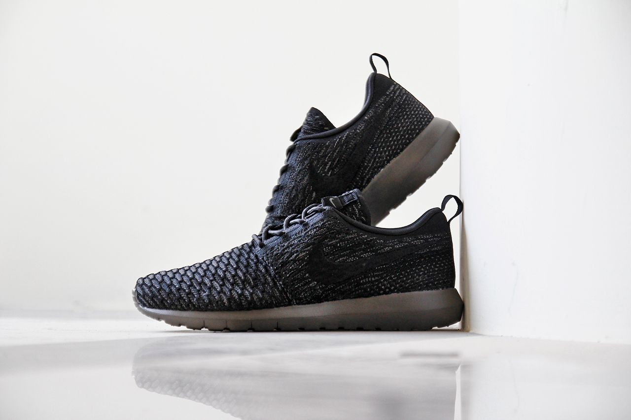 Nike Roshe Courir Minuit Coureurs Flyknit Brouillard