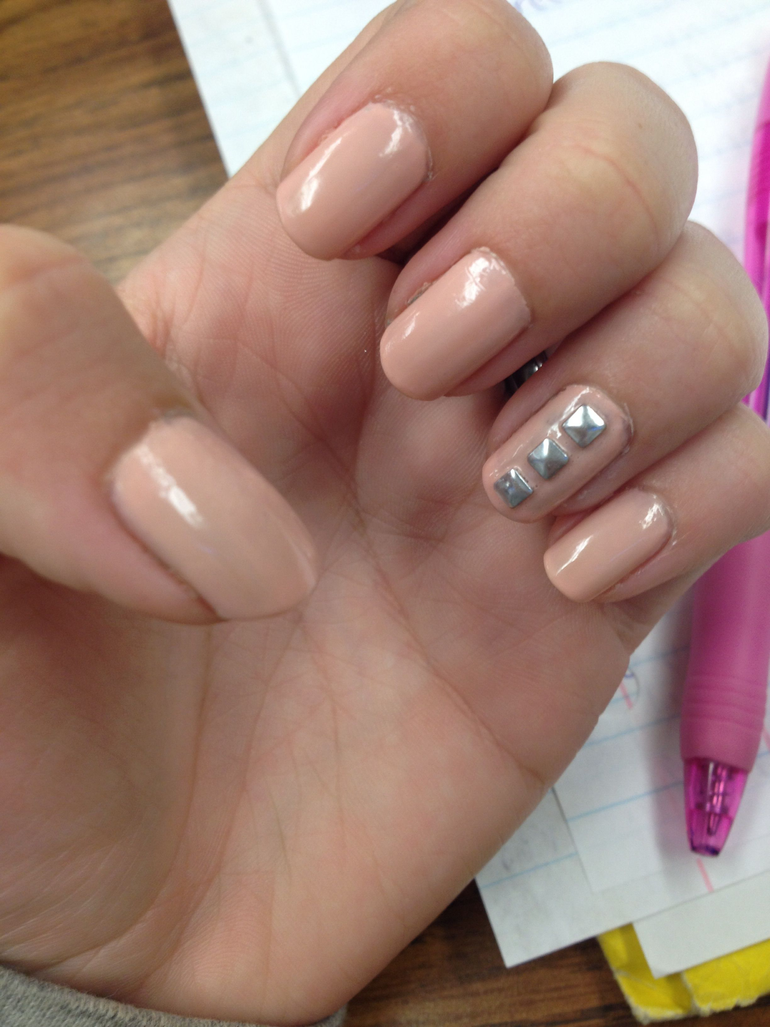 nude tan peach colored nails nail art cute sophisticated nail jewels ...