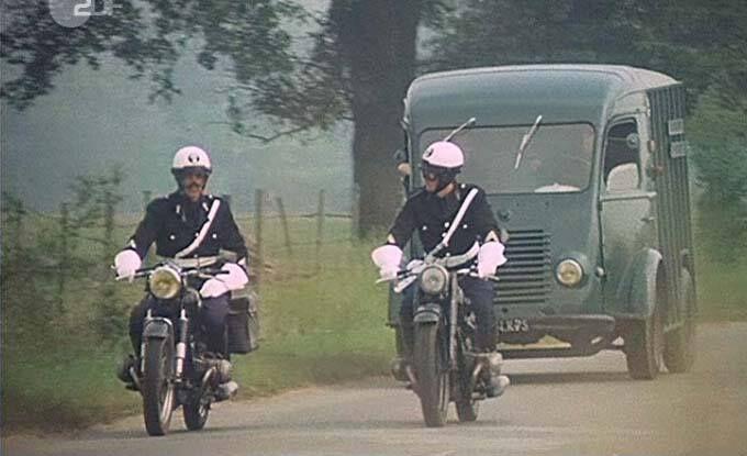 escorte motards gendarmerie v hicules gendarmerie pinterest motard et vehicule. Black Bedroom Furniture Sets. Home Design Ideas
