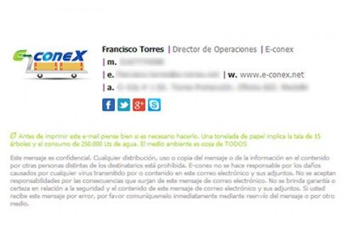 An email signature example from our customer E-conex - La - email signature example