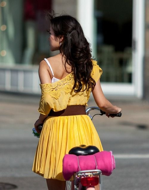 Summer style - rider in a yellow dress
