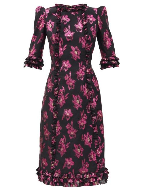 The Vampire's Wife - The exaggerated puffed shoulders on Vampire's Wife's black The Cate dress embodies the label's modern take on Victorian-influenced shapes and is exclusive to MATCHESFASHION. It's woven from floral jacquard recalling vintage patterns with delicate ruffled trim and a coordinating ties to cinch in the waist.